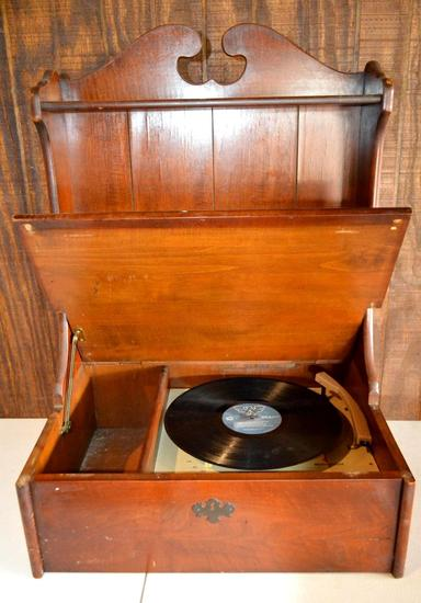Vintage Westinghouse Record Player In Cabinet