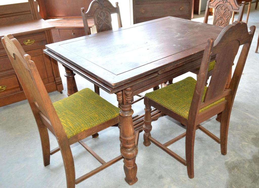 Antique Wood Dining Table With Pull Out Leaves And 4 Dining Chairs Art Antiques Collectibles Antiques Antique Furniture Auctions Online Proxibid