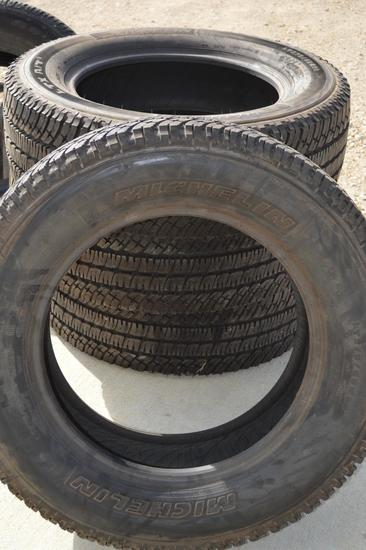 Set of 4 Michelin Tires *LIKE NEW* only 50 miles of usage, LT275/65/R20