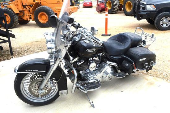 2002 Harley Davidson Road King Classic **Custom Chrome Package**