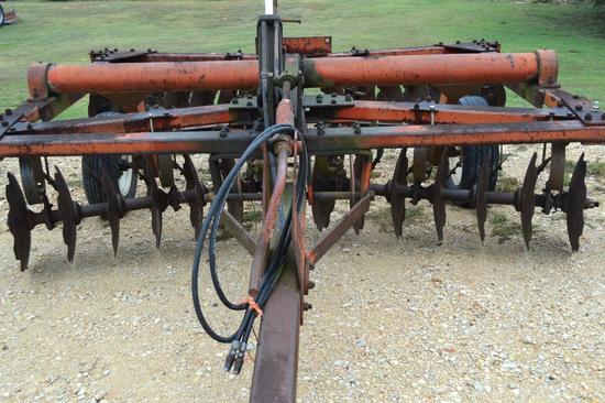 White Farm Equipment Co. 10' Disc