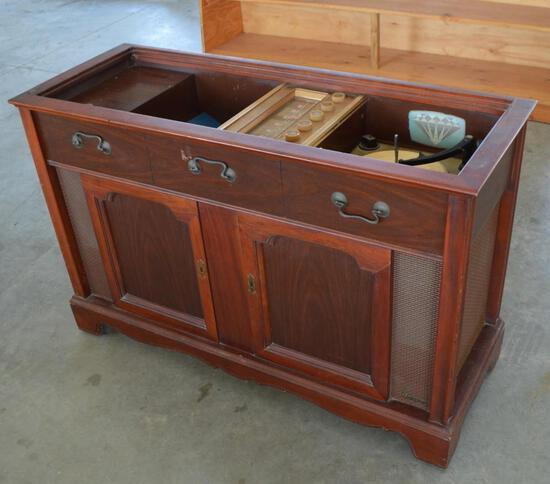 Antique/Vintage Record Player and Records