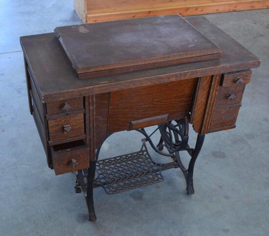 Vintage/Antique Collectible Stratton Sewing Machine and Table, Iron Base