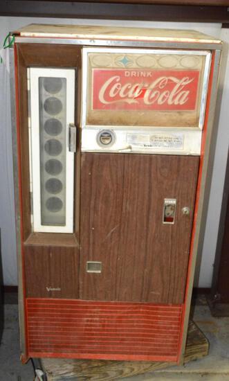 Vintage/Antique Collectible Coca Cola Vending Machine