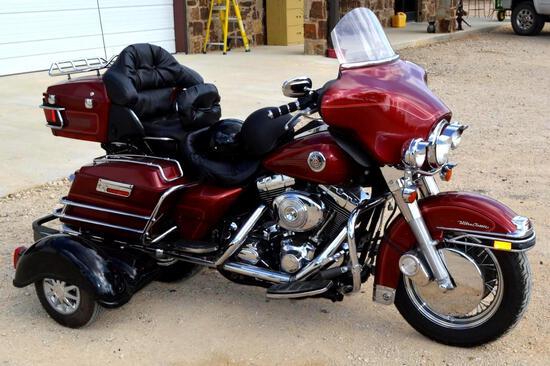 1999 Harley-Davidson Ultra Classic FLHTCUI 3-Wheel Motorcycle, Gasoline, Includes Bluetoothe Helmet