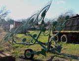 John Deere 702 Hay Rake Implement