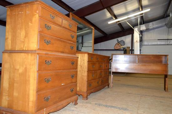 Antique Solid Maple Wood 4 piece Bedroom Set - Dresser, Headboard, Dresser and Mirror