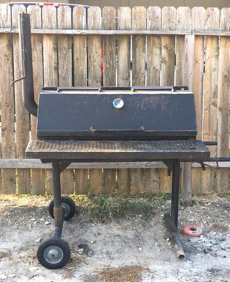 BBQ Pit / Grill