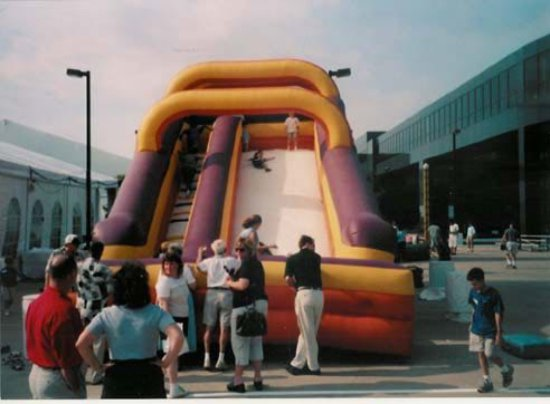 Inflatable amusement Slide