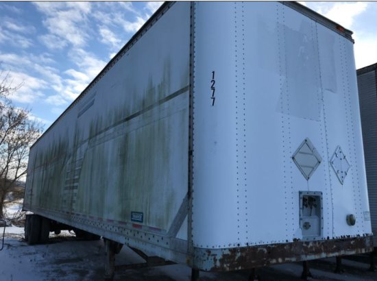 48 Foot Semi Trailer with TITLE. Trailer 1277 Made by Thayco  with a GVWR 68000, and a MFG of 9/85