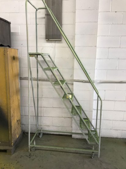 Portable metal steps, BEST SET HERE
