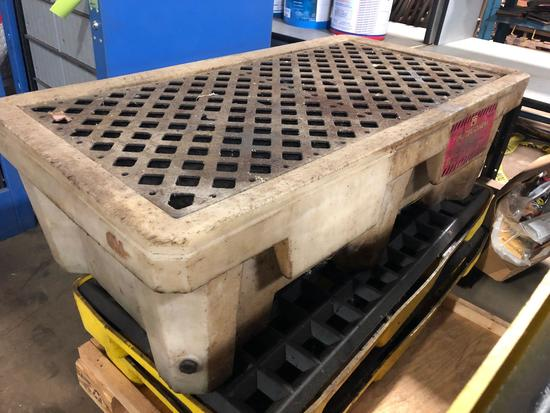 1-66 gal PIG spill containment pallet