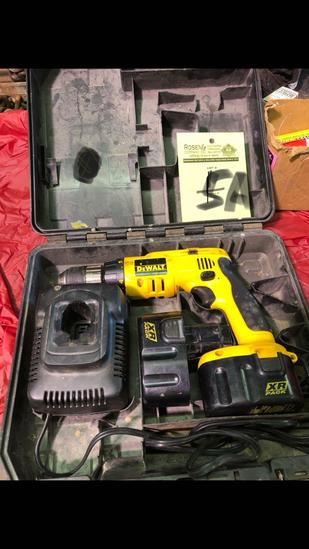 Dewalt 14a Drill, charger and 2 batteries