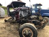 1995 Mack RD688S frame and cab for parts )rolled)