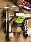 1500 lb max cap foot pedal platform jack