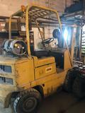 Cat V40B Forklift