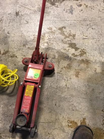 MVP Super lift floor jack with handle