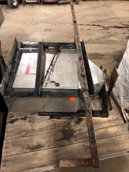 Western hitch mount staninless salt spreaders