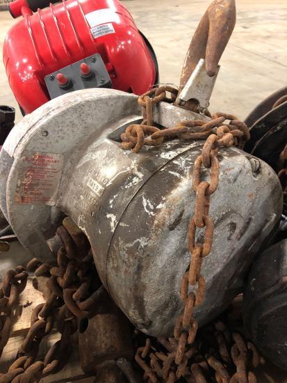 Cyclone model M chain hoist