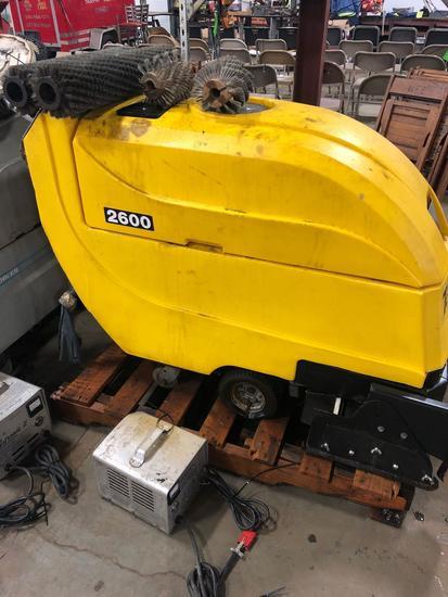 TomCat Model 2600 Floor Scrubber