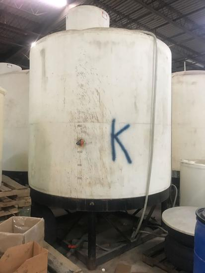 3000 gallon holding tank with metal stand, see full description