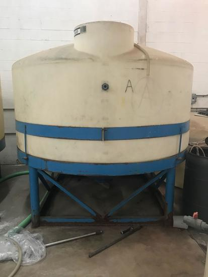 1650 gallon tank, on stand