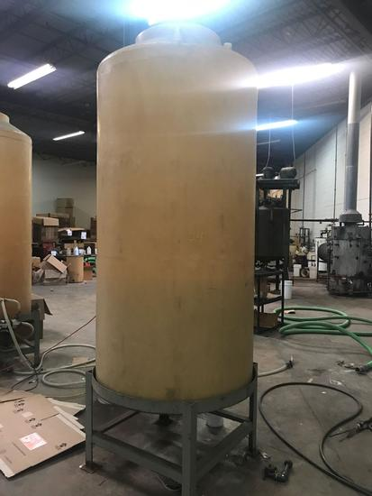 Approx 600 gallon fiberglass holding tank