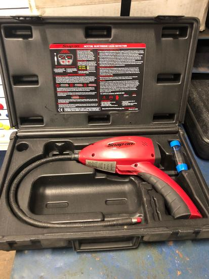 Snap On Electronic Leak Detector Model ACT730