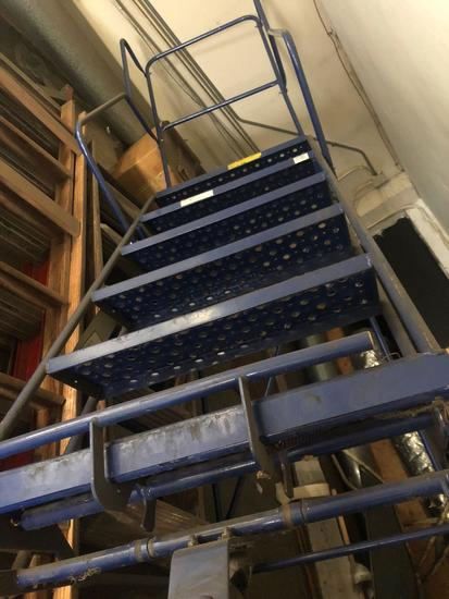 4 ft 5 in Industrial rolling ladder