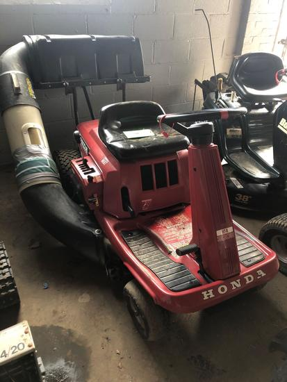 Honda HTR-3009 Riding Lawn Mower