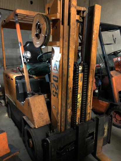 Allis Chalmers ACE70HEV48V, Triple Mast Electric Forklift