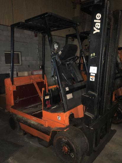 Yale Dual Mast Electric Forklift Model ERC100HDN36SV096FR