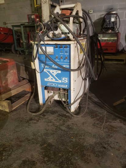 OTC Dyna Auto Xs 200 Mark 2 Wirefeed welder