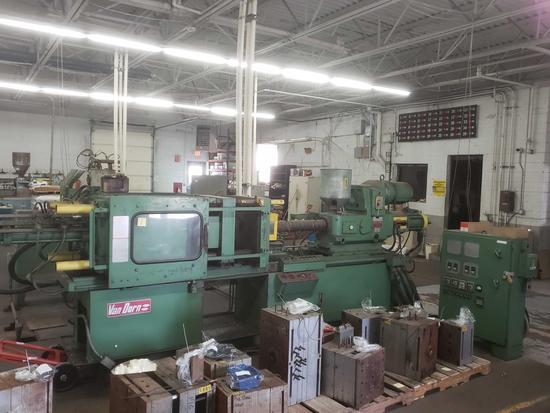 Van Dorn 200 ton, 12oz Hydraulic Injection Molding Machine