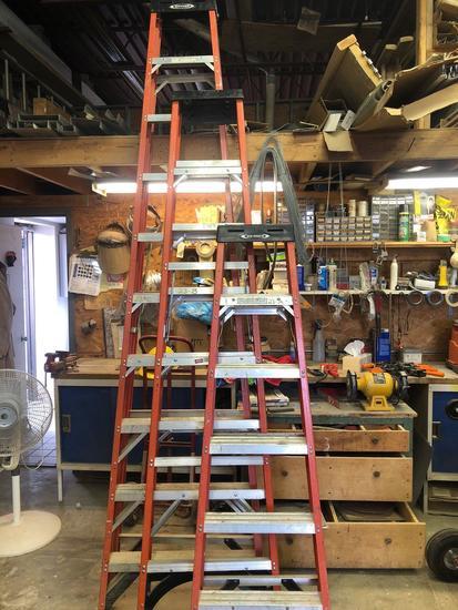 Husky 8 ft Fiberglass Step Ladder