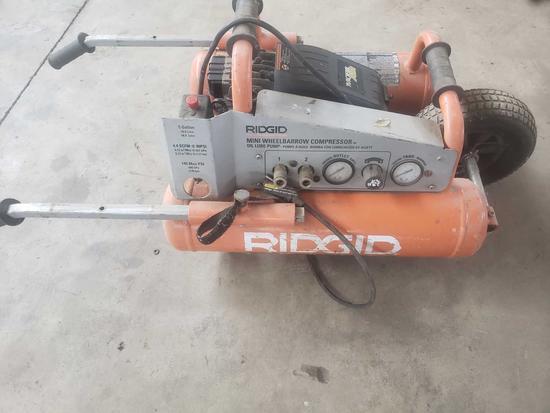 Rigid mobile air compressor