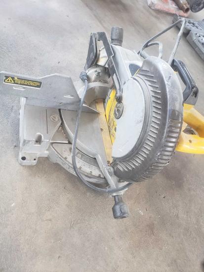 Dewalt 10 inch Compound Miter Saw