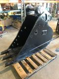 Like New Cat 1105-12A, 22in Excavating Bucket For Cat 426