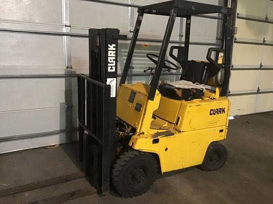 VIDEO ATTACHED. Clark 2000 pound LP Forklift showing 3822 hours Model C500 V20
