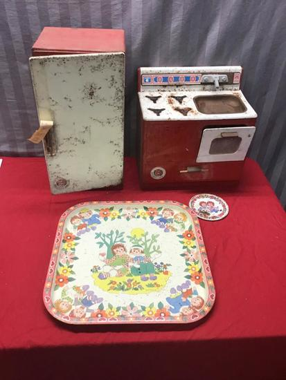 Raggedy Ann Kitchen Playware, Fridge, Stove, Serving Tray and metal plate