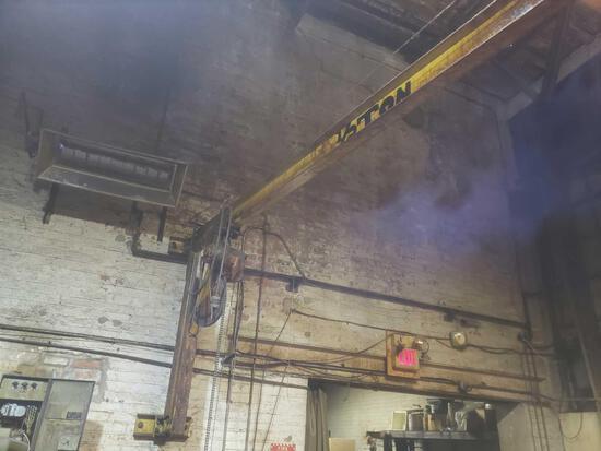 1/2 ton chain hoist with boom