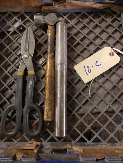 Flat of 3 hand tools