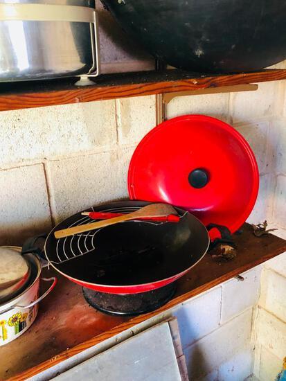 2 Woks and additional kitchen items