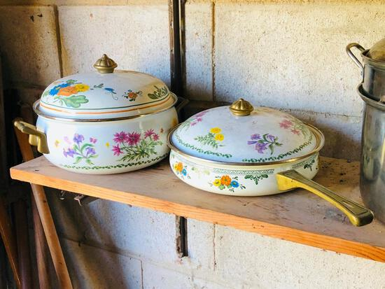 Pressure Cooker, Dutch Oven and additional kitchen items