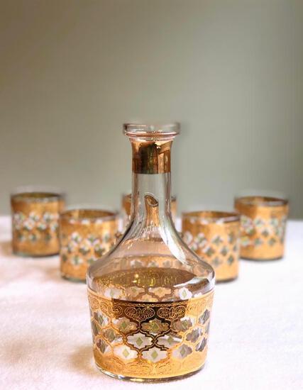 Valencia 22-Karat Gold Moroccan Themed Vintage Wine / Spirits Decanter