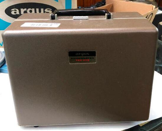 Vintage Argus Showmaster 8mm Movie Projector