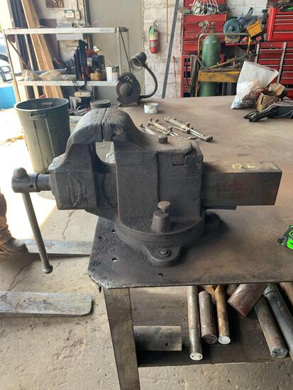 Columbia HOWE vise made in Cleveland Ohio