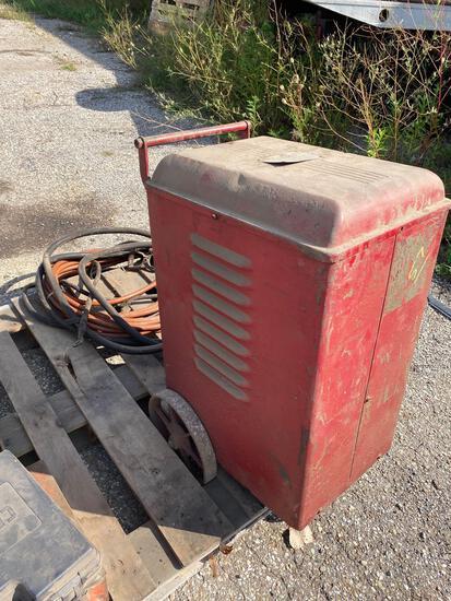 Westinghouse Vintage 220v Arc Welder w/ cables