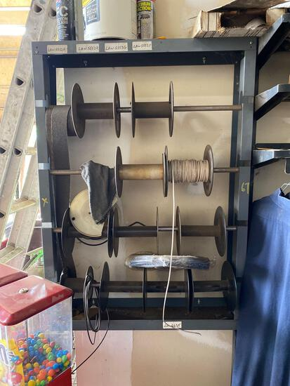 Metal wire rack and wire
