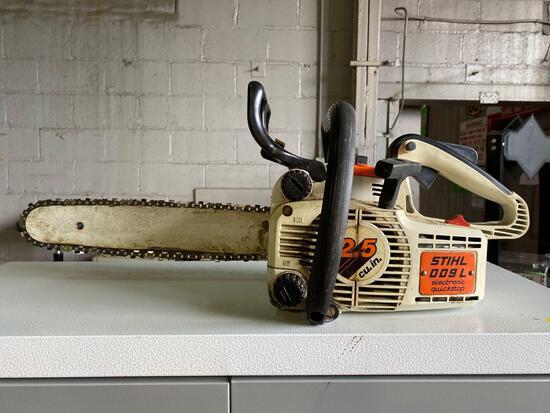 Stihl 009L Chainsaw